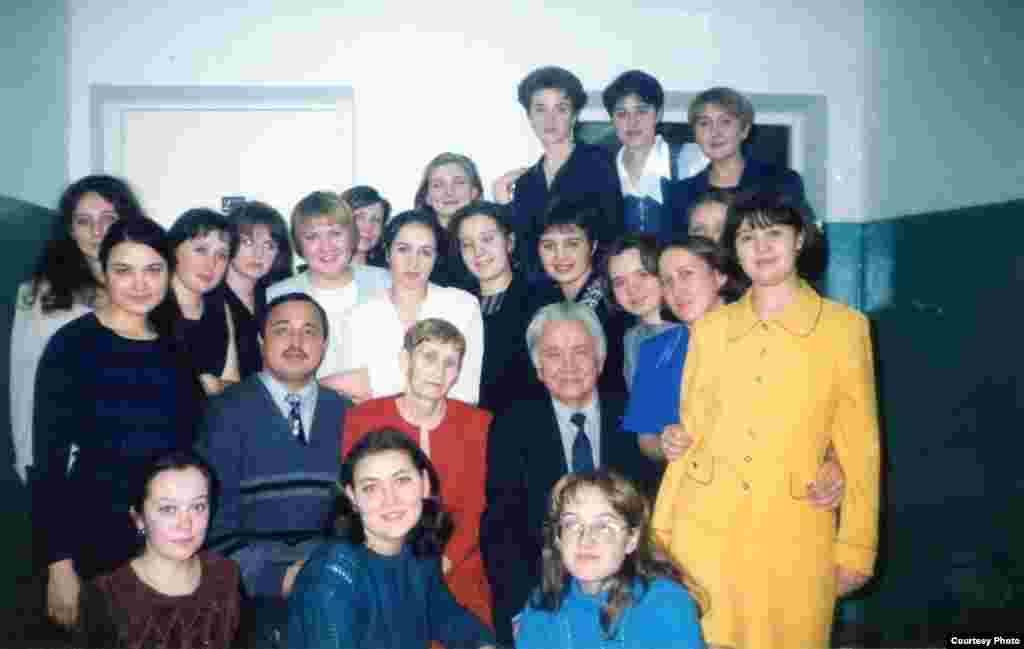 Журналистика факультеты студентлары. 2000нче еллар