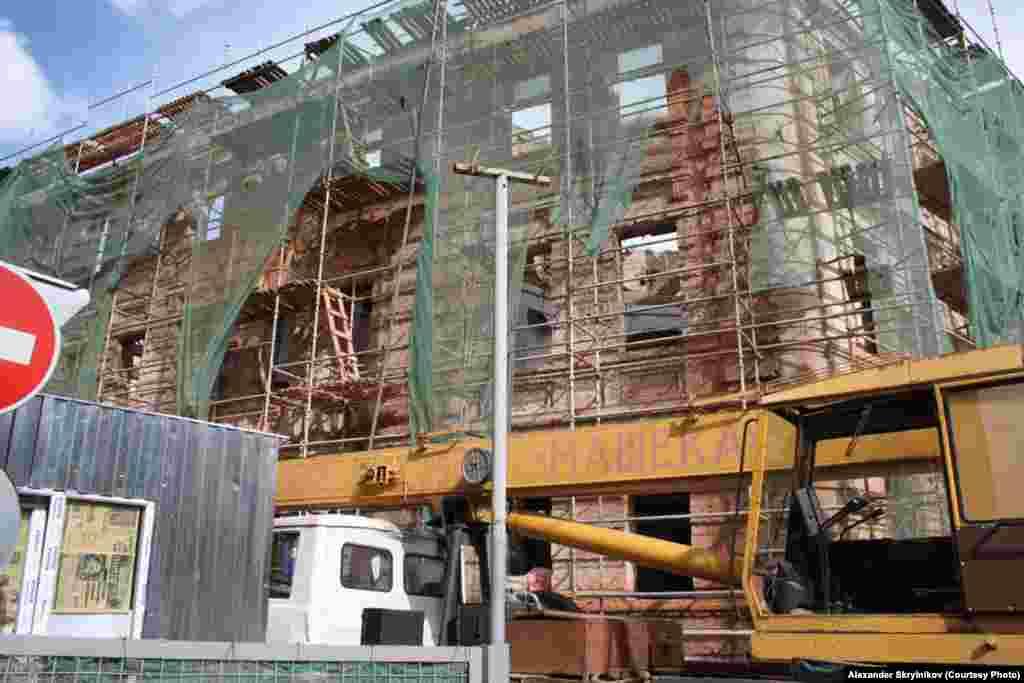 В доме на Петровке 26, стр. 2 строительные работы в разгаре