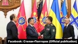 Міністр оборони України Степан Полторак і міністр національної оборони Турецької Республіки Ісмет Йилмаз.