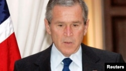 جورج ډبلیو بوش په ۲۰۰۰ کال کې عمومي رایو کې د تر خپل سیال لږې رایې واخېستلې