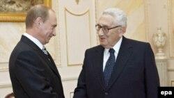 Henri Kissencer Rusiya prezidenti Vladimir Putinlə, 26 aprel 2007
