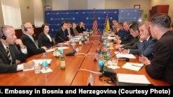 Razgovor Matthewa Palmera i američkog ambasadora u BiH Erica Nelsona sa čelnicima policijskih i sigurnosnih agencija u BiH, Sarajevo