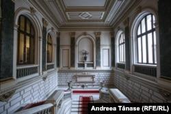 Scala de onoare, Palatul Vechi