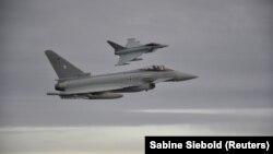 Истребители Eurofighter Typhoon ВВС Германии.