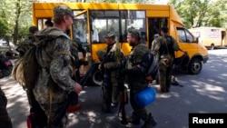 Ուկրաինա - Ռուսամետ զինյալները լքում են իրենց դիրքերը Կրամատորսկում, 5-ը հուլիսի, 2014թ.