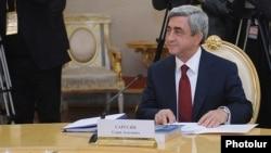 Սերժ Սարգսյանը ԵվրազԷՍ-ի հանդիպումներից մեկի ժամանակ, արխիվ