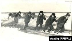 Rusiyada balıqçılar, arxiv fotosu