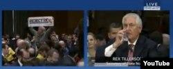 Proteste în Senatul american în cursul audierii lui Rex Tillerson