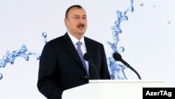 Претседателот на Азербејџан Илхам Алијев