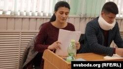 Юлія Астраўко з адвакатам прадстаўлялі ў судзе інтарэсы сына