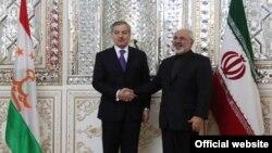 Глава МИД Таджикистана Сироджиддин Аслов и его иранский коллега Мохаммад Джавад Зариф. Фото из архива