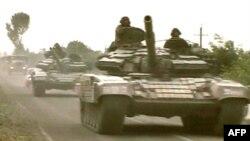 Ռուսական բանակի զրահատեխնիկան մուտք է գործում Հարավային Օսիա, 8-ը օգոստոսի, 2008թ․
