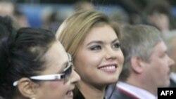 داستان عشق ميان ولاديمير پوتين ۵۶ ساله و آلينا کابايوا ۲۵ ساله، ماه هاست که در مسکو، دهان به دهان مي گردد.(عکس: AFP)
