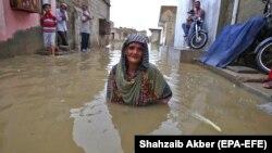 بارندگی برای پنجمین شب پیهم در شهر کراچی ادامه داشت.