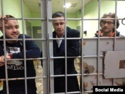 Алексей Домников, Игорь Шарапов и Александр Хорршр под арестом