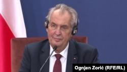 Miloš Zeman Sentyabrın 11-də Belqrada səfəri zamanı çıxış edir