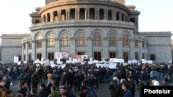 Armenia - The opposition ORO alliance holds an election campaign rally in Yerevan's Liberty Square, 28Mar2017.