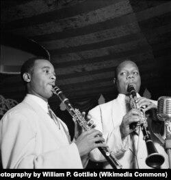 Джимми Хэмилтон и Харри Карни. Ноябрь 1946