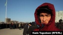 "Бывший рабочий компании ""Каражанбасмунай"" Ахмет Джубатыров, Актау, 18 декабря 2011 года."
