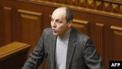 Cекретарь Совета национальной безопасности и обороны Андрей Парубий в Верховной Раде.