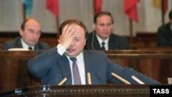 Егор Гайдар предсказывает экономические потрясения