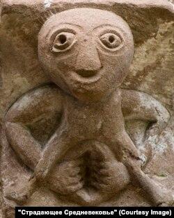 """На стенах средневековых храмов можно встретить и такие """"похабные"""" фигурки"""