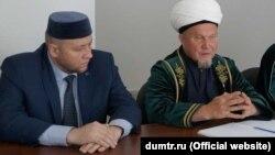 Фәрит Вәлиев (с) һәм Җәлил Фазлыев (у)