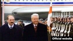 Аляксандар Лукашэнка і Барыс Ельцын, архіўнае фота