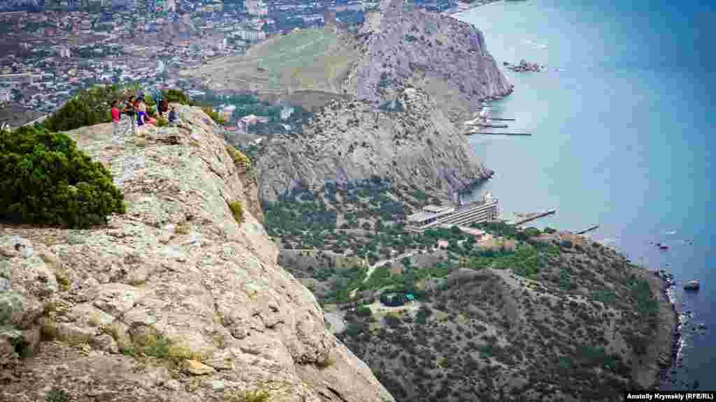 Qadimiy Sudaq üzerinde uçurım kenarı