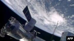 Imagine NASA a navei SpaceX Dragon