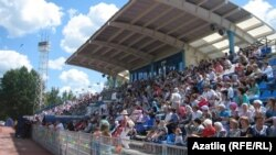 "Халыкны стадионда Сабантуй ""карату"" гадәти күренеш"