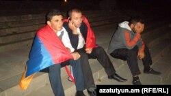 Протестующие на Театральной площади в Гюмри (архив)
