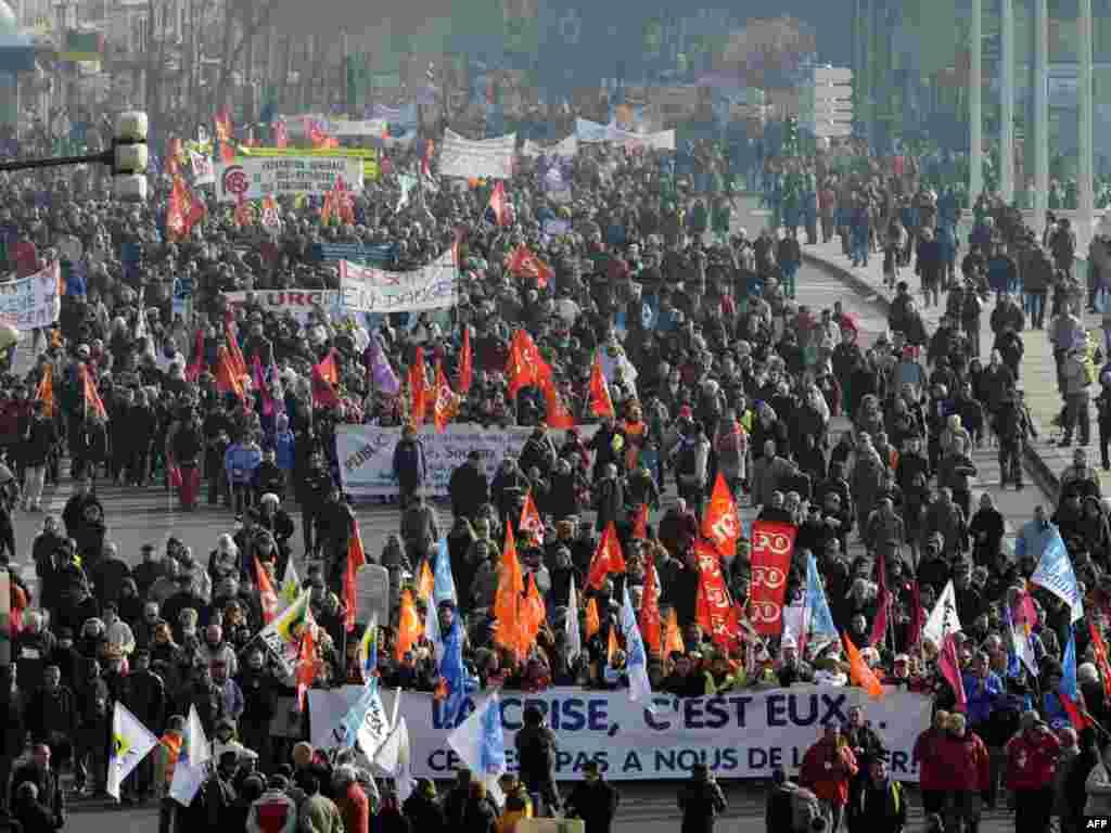 اعتصابکنندگان در لیون