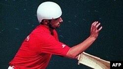Игра в «баскский мяч» за океаном называется «Хай-алай»