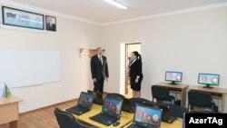 Prezident İlham Əliyev Bakıda orta məktəb açılışında