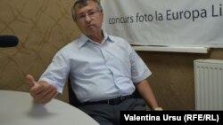 Ambasadoril Valeriu Ghoerghiu în studioul Europei Libere de la Chișinău