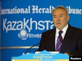 Қазақстан Республикасының президенті Нұрсұлтан Назарбаев. Алматы, 3 маусым 2010 жыл.