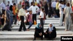 Новые беженцы из Сирии в городке Рейханлы (Турция), провинция Хатай, 9 августа 2012