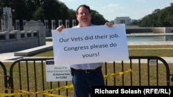 """Furloughed federal employee John Aucott is """"embarrassed"""" for the people who came to see Washington."""