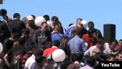 """Работники корпорации """"Казахмыс"""" на забастовке. Жезказган, рудник """"Анненский"""", 6 мая 2012 года."""