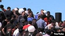 "Шахтеры корпорации ""Казахмыс"" на забастовке, Жезказган, 6 мая 2012 года."