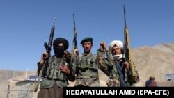 Militantë të dyshuar talibanë.