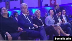 Marine Le Pen (în centru) la conferinţa naţionaliştilor din Koblenz (foto: Facebook)