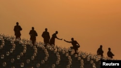 Բուդդայական հոգևորականներ Թայլանդում