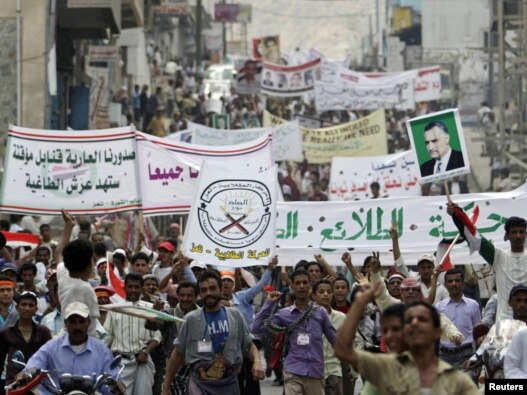 تظاهرکنندگان یمنی در شهر تعز