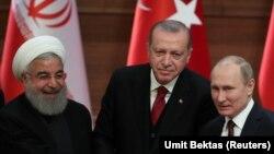 عکسی از نشست پیشین (از راست) پوتین، اردوغان و روحانی در آنکارا؛ آوریل ۲۰۱۸