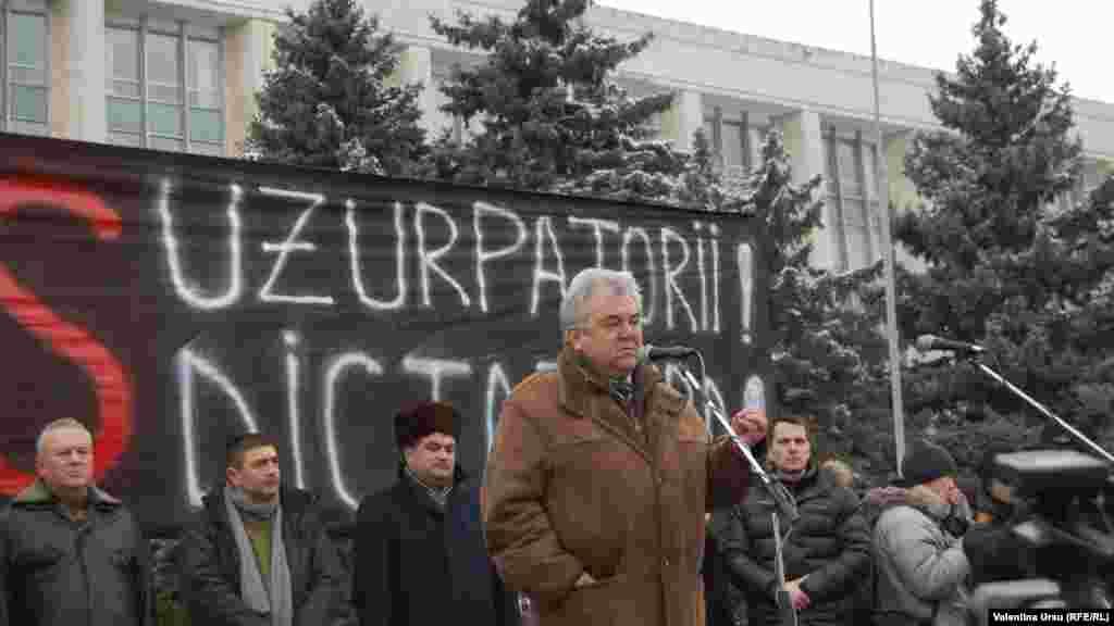 Printre organizatorii manifestaţiei, Anatol Plugaru, fostul ministru al securităţii