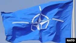ՆԱՏՕ-ի դրոշը Բրյուսելում` Հյուսիսատլանտյան դաշինքի կենտրոնակայանում