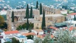 Kiprde ogurlykda aýyplanýan türkmen migranty sud edilýär