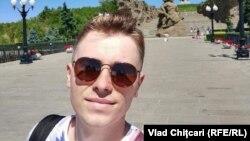 Vlad Chițcari, unul din primii care a fost la vot la consulatul R. Moldova de la Moscova, 11 iulie 2021.